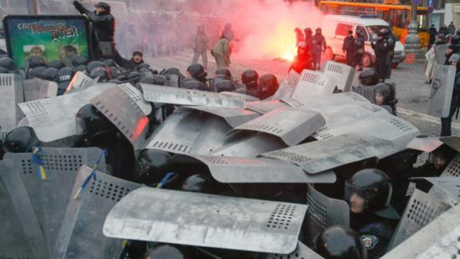 Soldados rusos bloquean aeropuertos