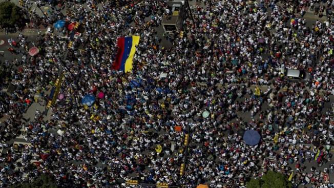 Venezuela: matan a un capitán y 2 civiles
