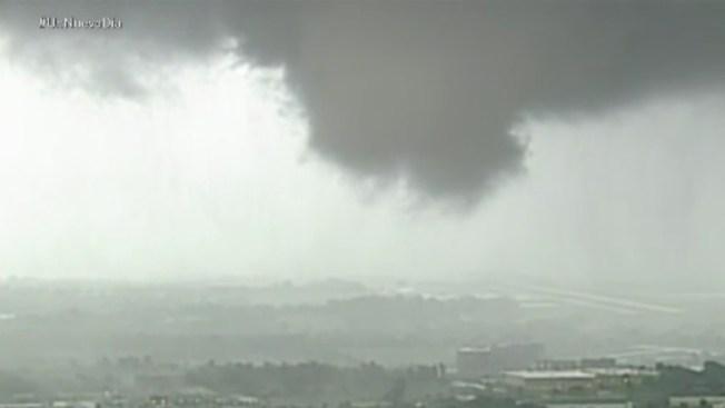 Impresionante tornado toca tierra