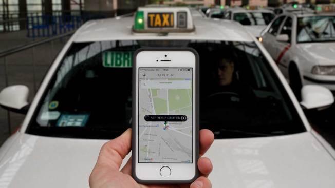 NJ: Mujer da a luz dentro de un taxi de Uber