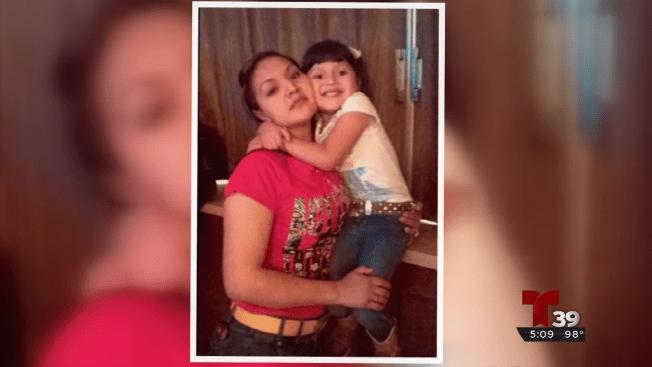 Presenció el arresto de su madre por agentes de ICE