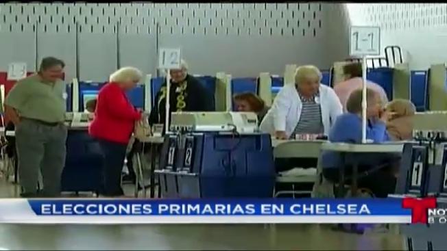 Latinos salen a votar en primarias de Chelsea