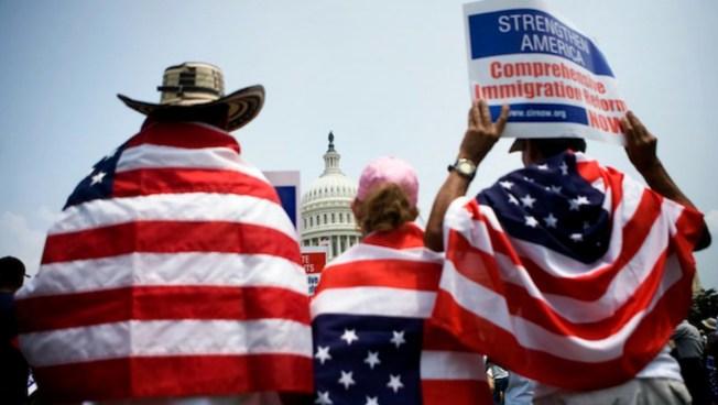 Informe: inmigrantes no cometen más crímenes