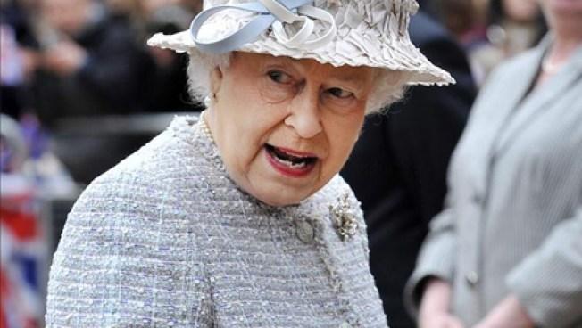 Subastan pastel de la boda de Isabel II