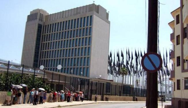 Embajada de EEUU en Cuba reprograma citas