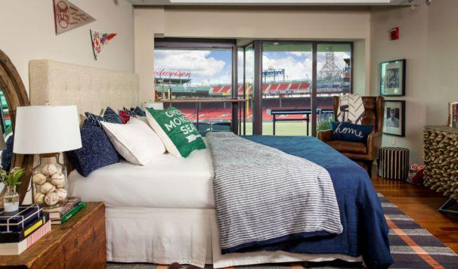 Podrías quedarte a dormir en Fenway Park