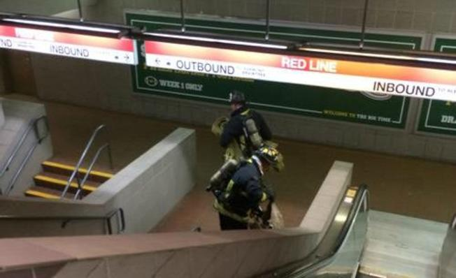 Bomberos controlan fuego en South Station