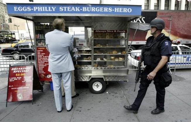 La cruda realidad tras icónicos carritos de comida de NY
