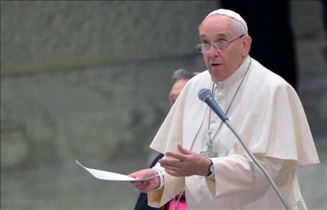 Papa Francisco podría mascar coca en Bolivia