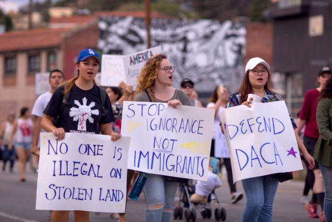 """Casa Blanca: """"no apoyaremos al DACA por fondos para muro"""""""