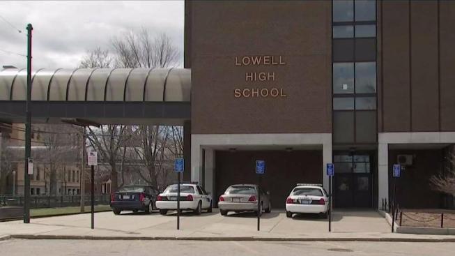Problemas continúan afectando a Lowell High School