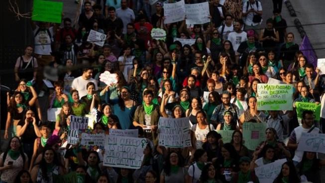 """Miles exigen acceso el aborto """"libre y seguro"""""""