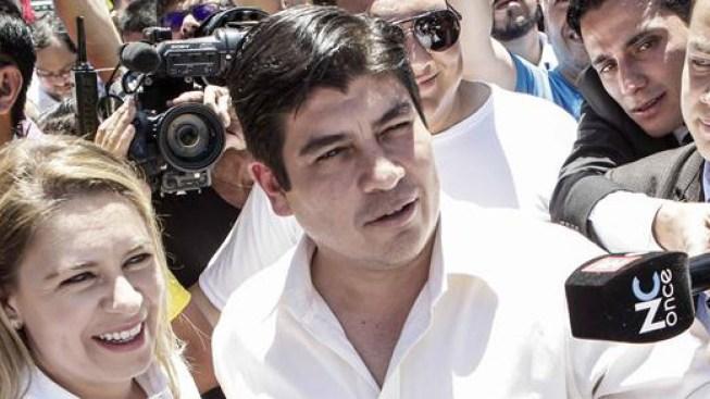 El oficialista Carlos Alvarado gana las elecciones en Costa Rica