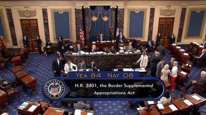 Senado aprueba $4,590 millones para crisis fronteriza