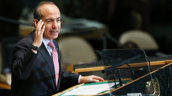 Felipe Calderón critica a EEUU