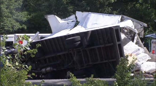 Accidente en NY State Thruway deja dos muertos