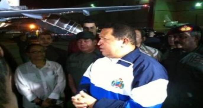 Chávez se opera, futuro incierto