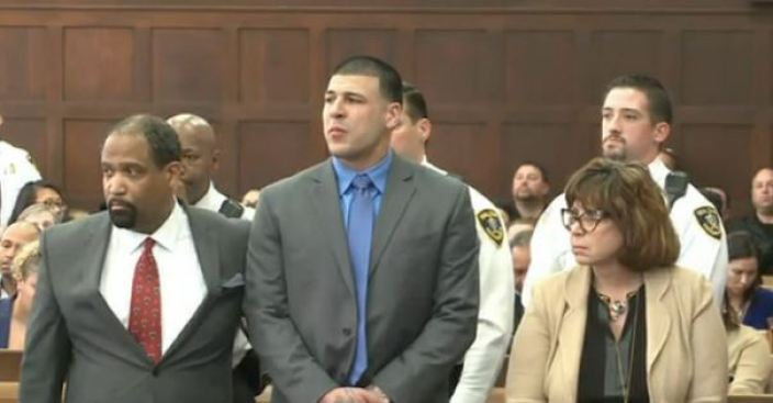 Aaron Hernández se ahorcó en su celda