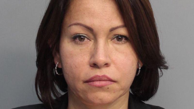 Nery Carvajal-González fue arrestada este lunes tras permanecer prófuga en conexión con un caso de práctica ilegal de la medicina.